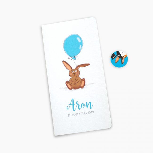 Geboortekaartje Aron konijn konijntje sluitzegel blauw kindje jongetje Studio Vol Vertrouwen Overijssel Vriezenveen grafisch ontwerp illustratie